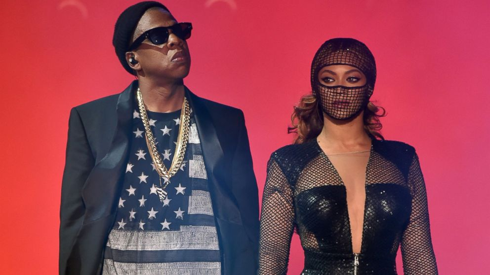 "PHOTO: Jay-Z and Beyonce perform during the ""On The Run Tour: Beyonce And Jay-Z"" at the Rose Bowl, Aug. 2, 2014, in Pasadena, Calif."