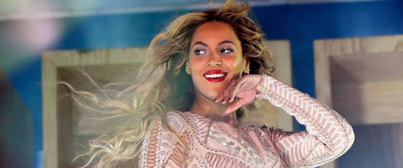 PHOTO: Beyonce performs onstage during the 2015 Budweiser Made in America Festival at Benjamin Franklin Parkway, Sept. 5, 2015 in Philadelphia.