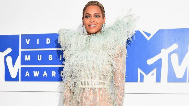 PHOTO: Singer-songwriter Beyonce attends the 2016 MTV Video Music Awards at Madison Square Garden, Aug. 28, 2016, in New York City.