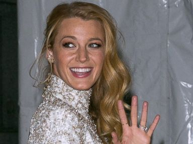 Photos:  Blake Lively Gives a Wave in New York City