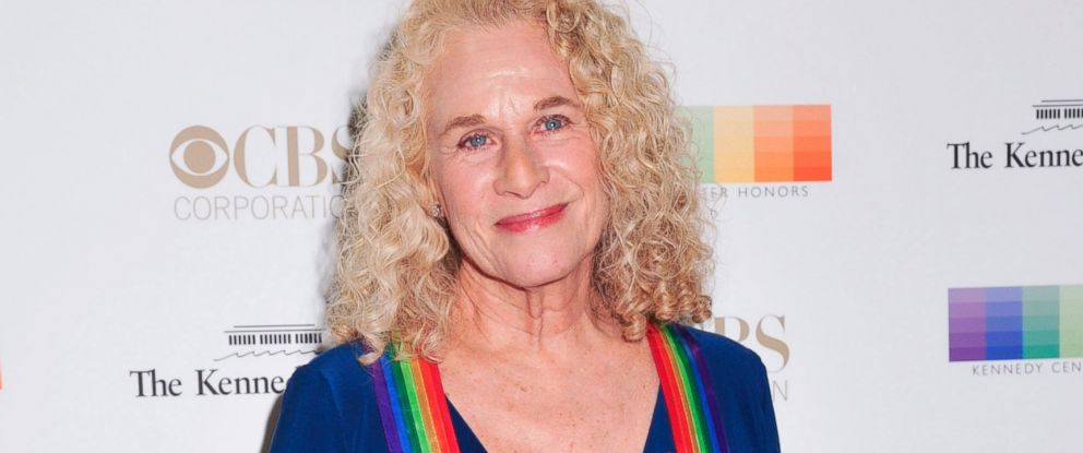 PHOTO: Honoree and singer-songwriter Carole King arrives at the 38th Annual Kennedy Center Honors Gala at the Kennedy Center for the Performing Arts, Dec. 6, 2015, in Washington.