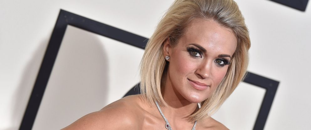 PHOTO: Carrie Underwood arrives at The 58th GRAMMY Awards at Staples Center, Feb. 15, 2016. in Los Angeles.