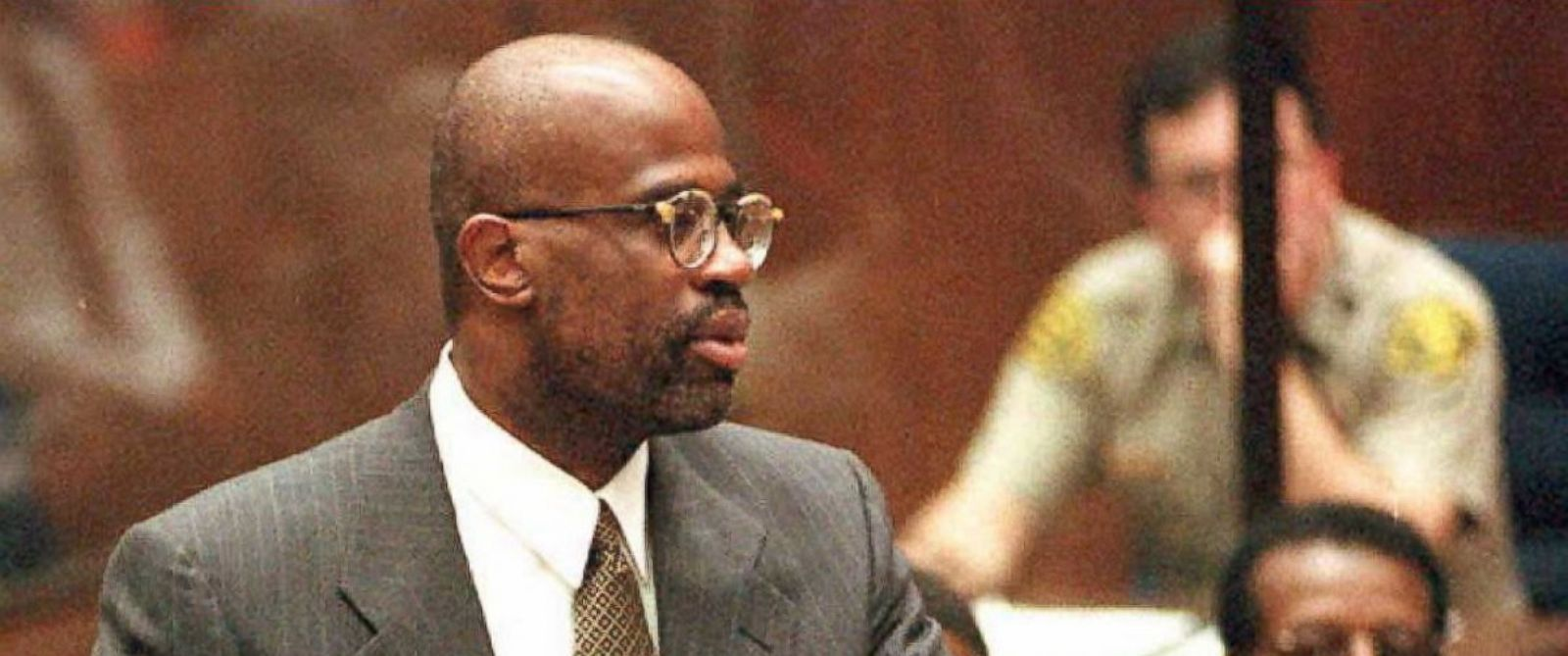 PHOTO: Prosecutor Christopher Darden apologizes to Judge Lance Ito following a contempt of court citing by the judge during a sidebar hearing, February 23, 1995, in Los Angeles.