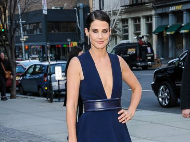 Photos: 'How I Met Your Mother' Star Cobie Smulders Stuns In a Low-Cut Gown