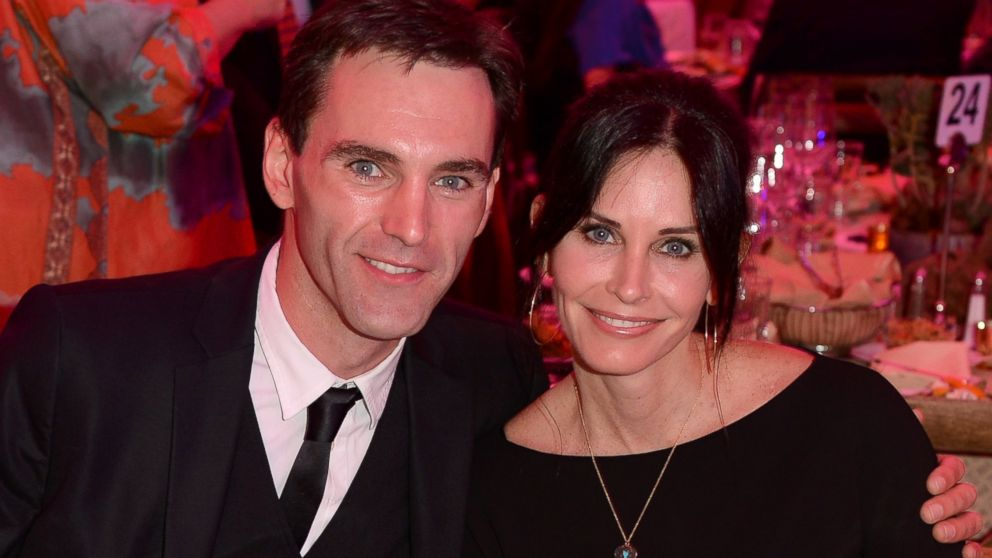 Courteney Cox And Johnny Mcdaid Are Engaged Abc News