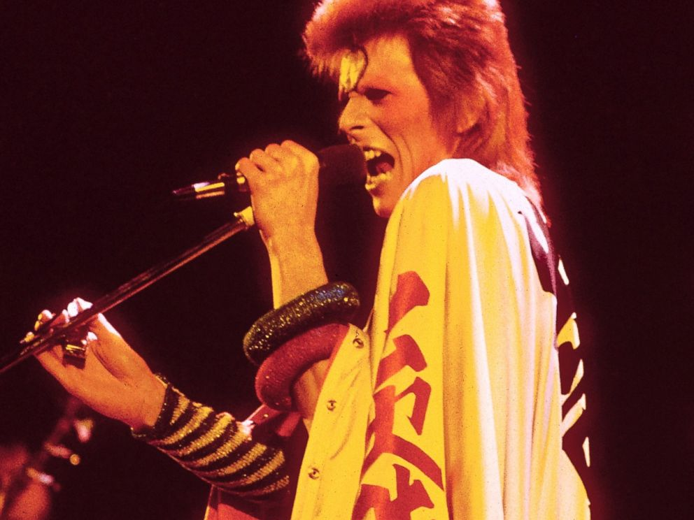 PHOTO: David Bowie performing live onstage at final Ziggy Stardust concert, July 3, 1973 in London.