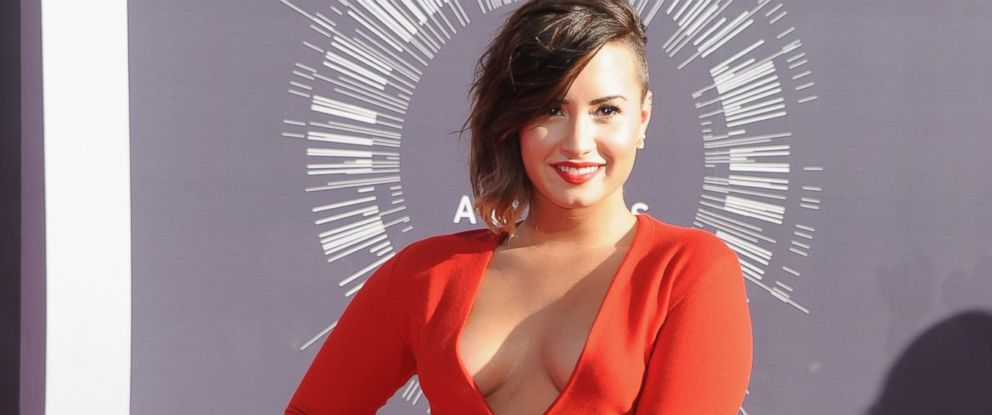 PHOTO: Demi Lovato arrives at the 2014 MTV Video Music Awards in Inglewood, Calif., Aug. 24, 2014.
