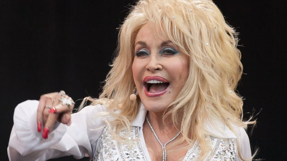 Dolly Parton: 2016 Election is 'Like Watching the O.J. Simpson Trial'