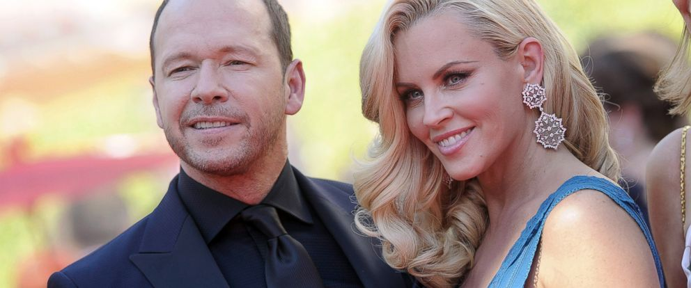 PHOTO: Jenny McCarthy and Donnie Wahlberg arrive at the 2014 Creative Arts Emmy Awards Aug. 16, 2014, in Los Angeles.