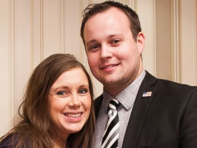 PHOTO: Anna Duggar, left, and Josh Duggar, right, pose during the 42nd annual Conservative Political Action Conference on Feb. 28, 2015 in National Harbor, Md.
