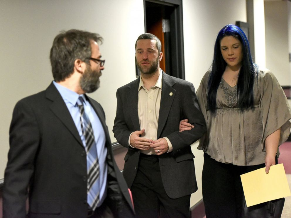 PHOTO: Dustin Diamond attends his arraignment with girlfriend Amanda Schutz at Ozaukee County Courthouse, Jan. 22, 2015, in Port Washington, Wisconsin.