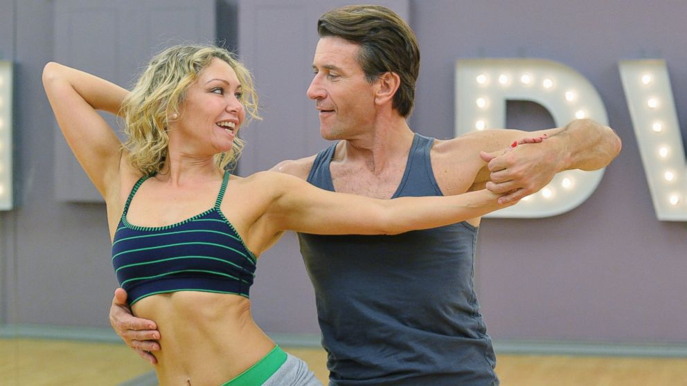 shark dating dancing with the stars It has just been announced that dancing with the stars dancer kym johnson and her former dancing partner robert herjavec are engaged herjavec popped the question.