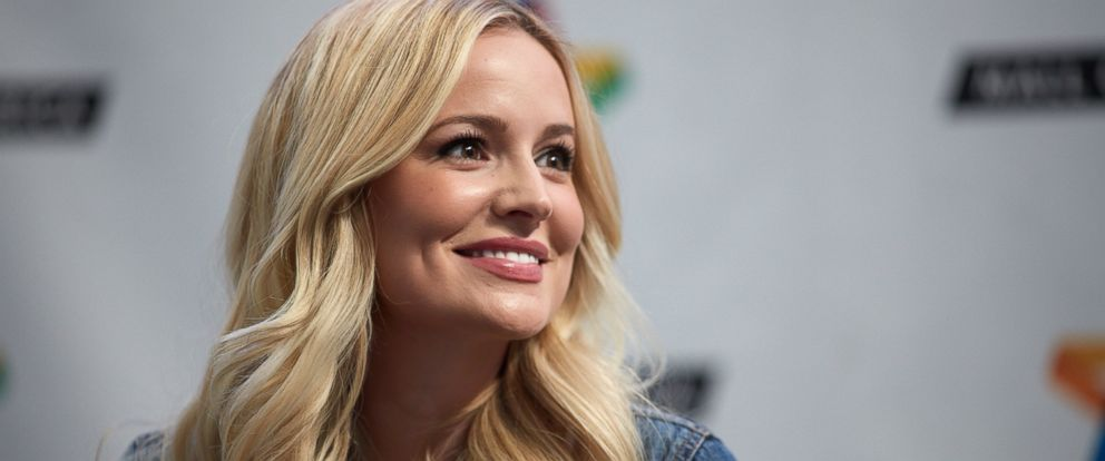 "PHOTO: Emily Maynard signs copies of her new book ""I Said Yes: My Story of Heartbreak, Redemption, and True Love"" at Mall of America, March 11, 2016 in Bloomington, Minnesota."