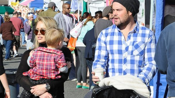 PHOTO: Hilary Duff and Mike Comrie with their son Luca Comrie in Los Angeles, Nov. 24, 2013.
