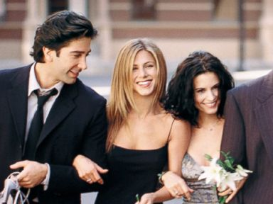 PHOTO: Cast Members Of NBCs Comedy Series Friends.