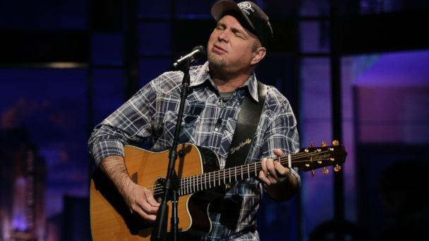 "PHOTO: Garth Brooks performs for ""The Tonight Show with Jay Leno"" on Nov. 27, 2013 in Burbank, Calif."