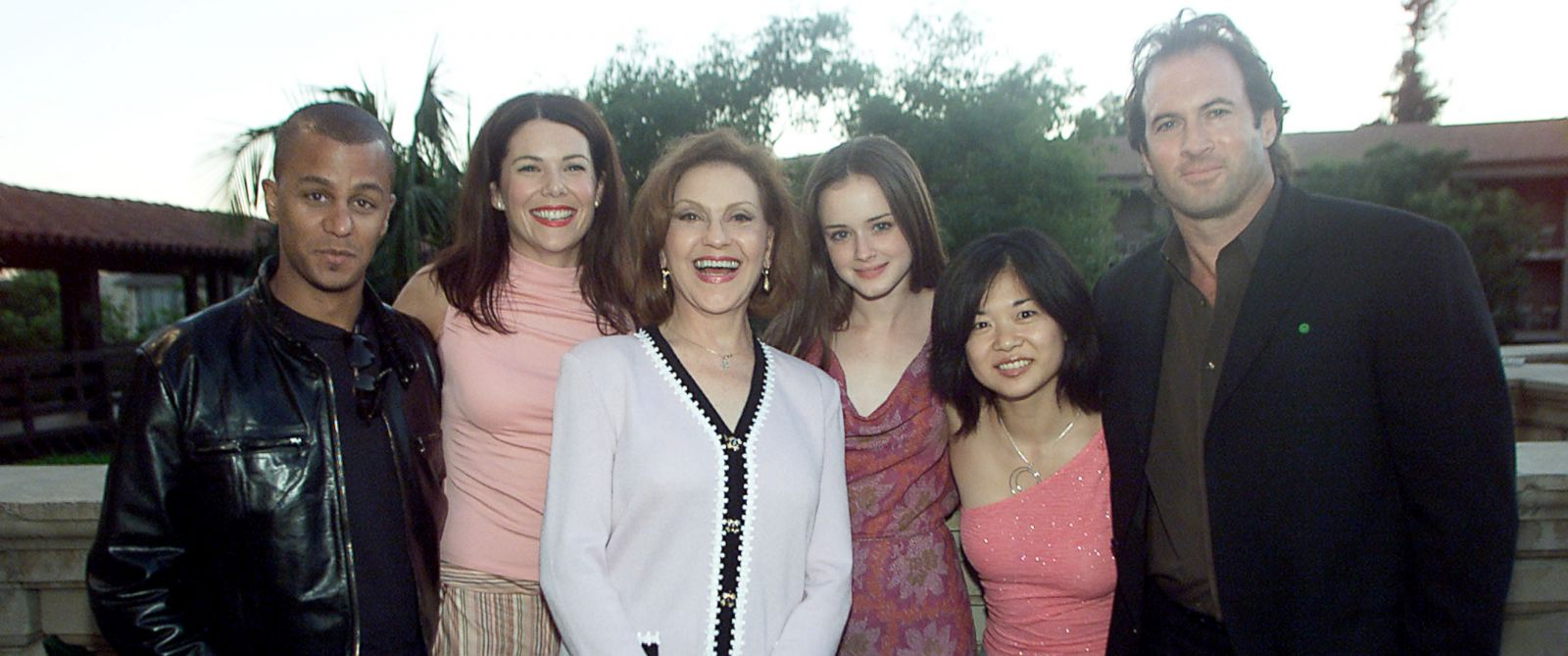 PHOTO: Gilmore Girls cast members, from left, Yanic Truesdale, Lauren Graham, Kelly Bishop, Alexis Bledel, Keiko Agena and Scott Patterson at the 17th Annual TCA Awards in Huntington, Calif., July 21, 2001.