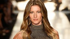 PHOTO: Gisele Bundchen walks the runway during Sao Paulo Fashion Week Winter 2015 on Nov. 4, 2014 in Sao Paulo.
