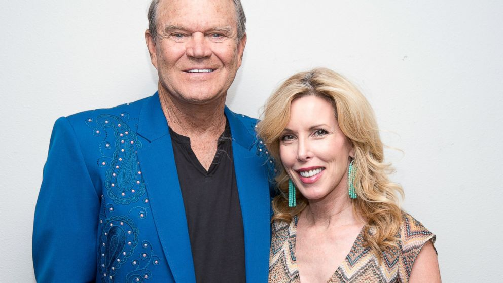 Glen campbell poses backstage with kim campbell following his goodbye