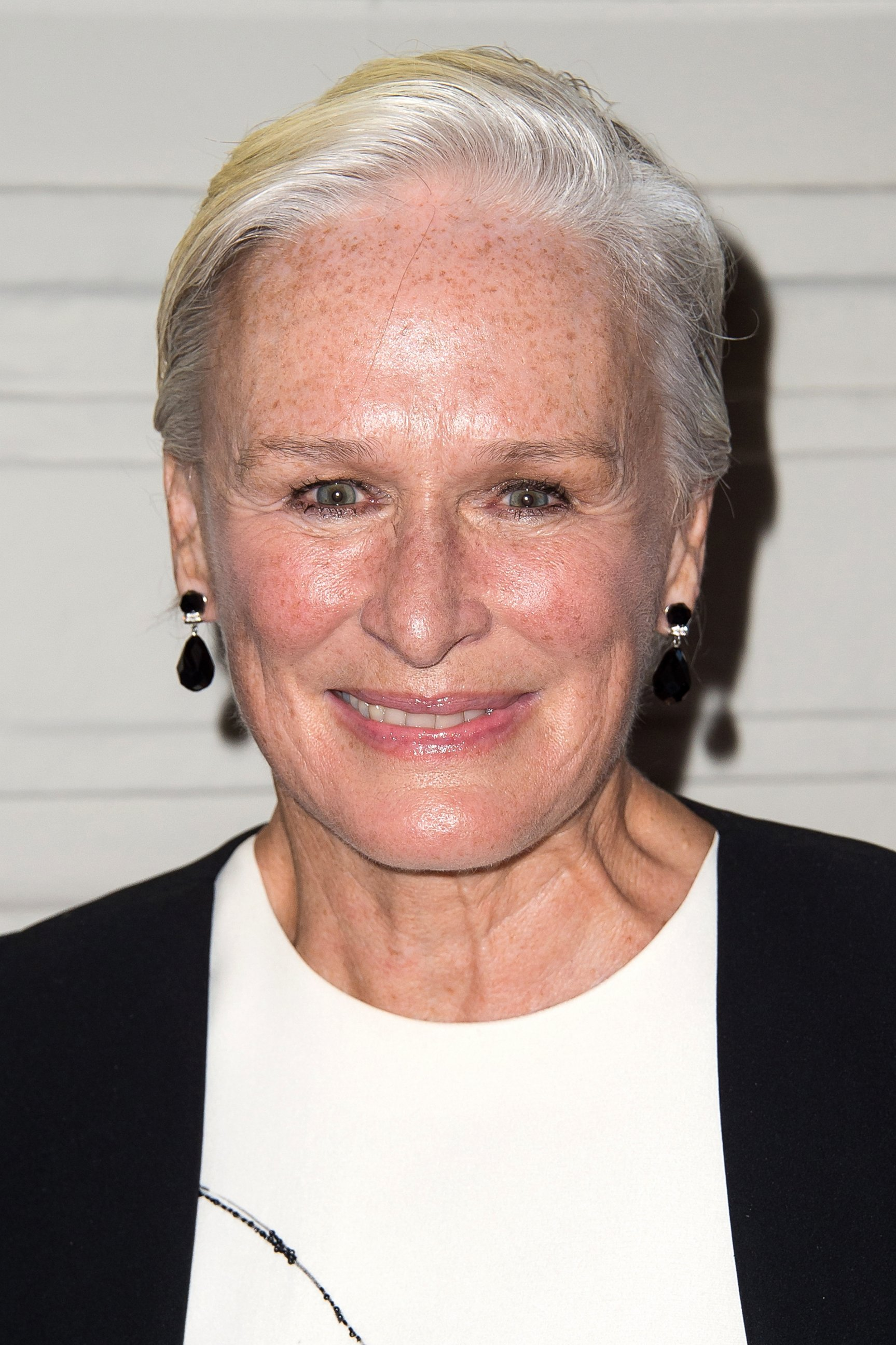 Glenn Close Debuts a New, Short Hairdo