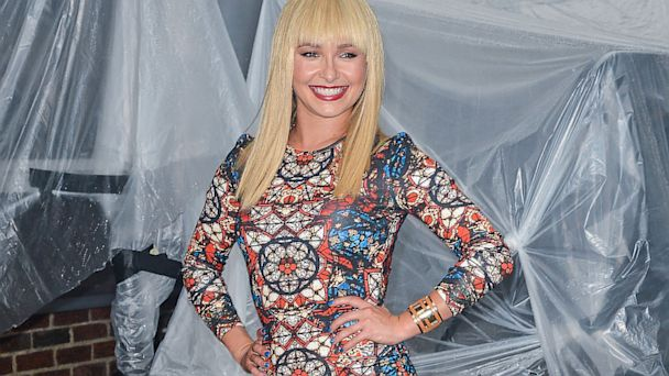 GTY hayden panettiere red blue dress thg 130829 16x9 608 Hayden Panettiere Debuts New Look