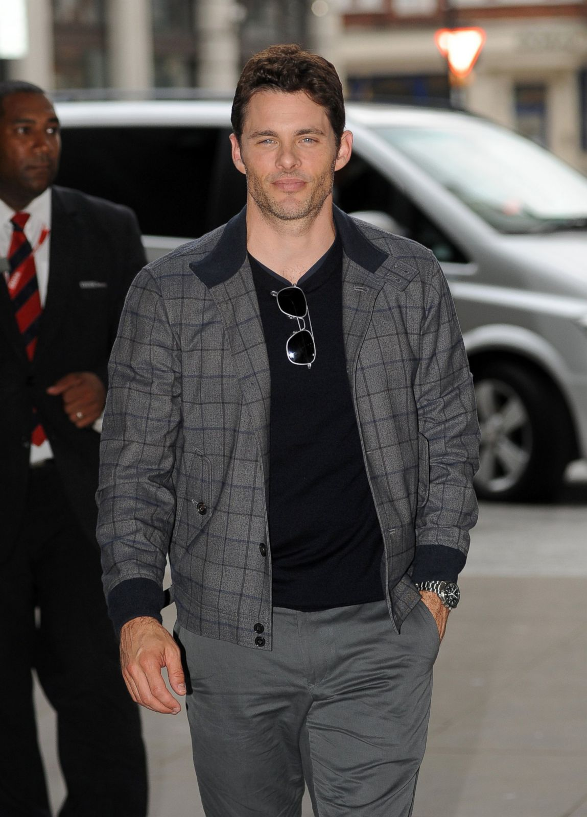 James Marsden Steps Out in London Picture | September's Top Celebrity Pictures - ABC News