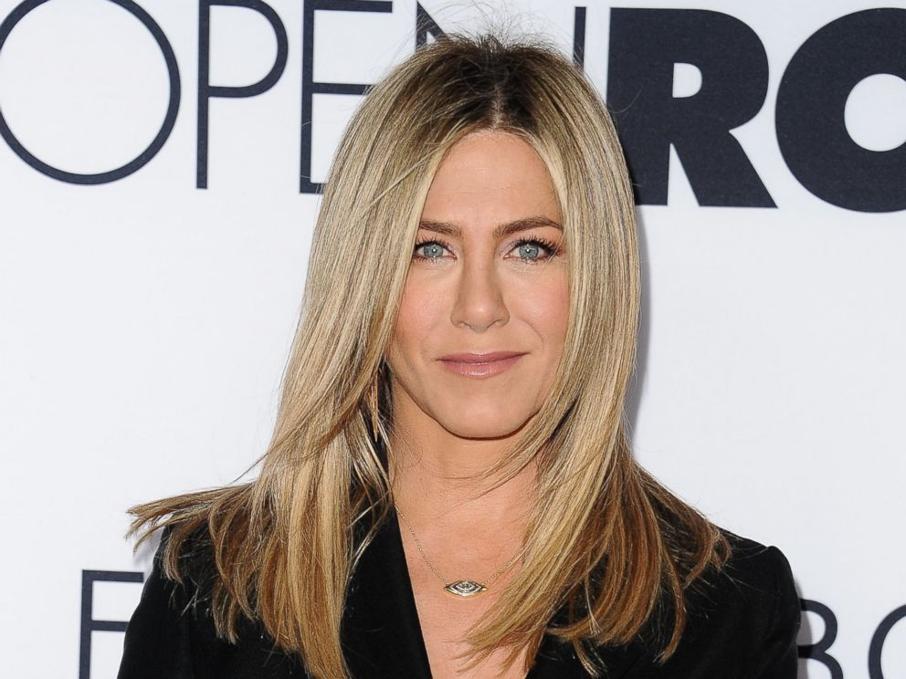 PHOTO: Jennifer Aniston attends the premiere of Mothers Day at TCL Chinese Theatre IMAX, April 13, 2016, in Hollywood, California.