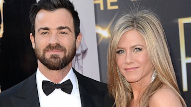 PHOTO: Jennifer Aniston and Justin Theroux Engaged