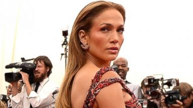 PHOTO: Jennifer Lopez attends the China: Through The Looking Glass Costume Institute Benefit Gala