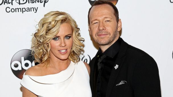 GTY jenny mccarthy donnie wahlberg jef 140603 16x9 608 Are Jenny McCarthy and Donnie Wahlberg Tying the Knot at Applebees?