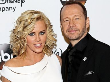 Are Jenny McCarthy and Donnie Wahlberg Tying the Knot at Applebees?
