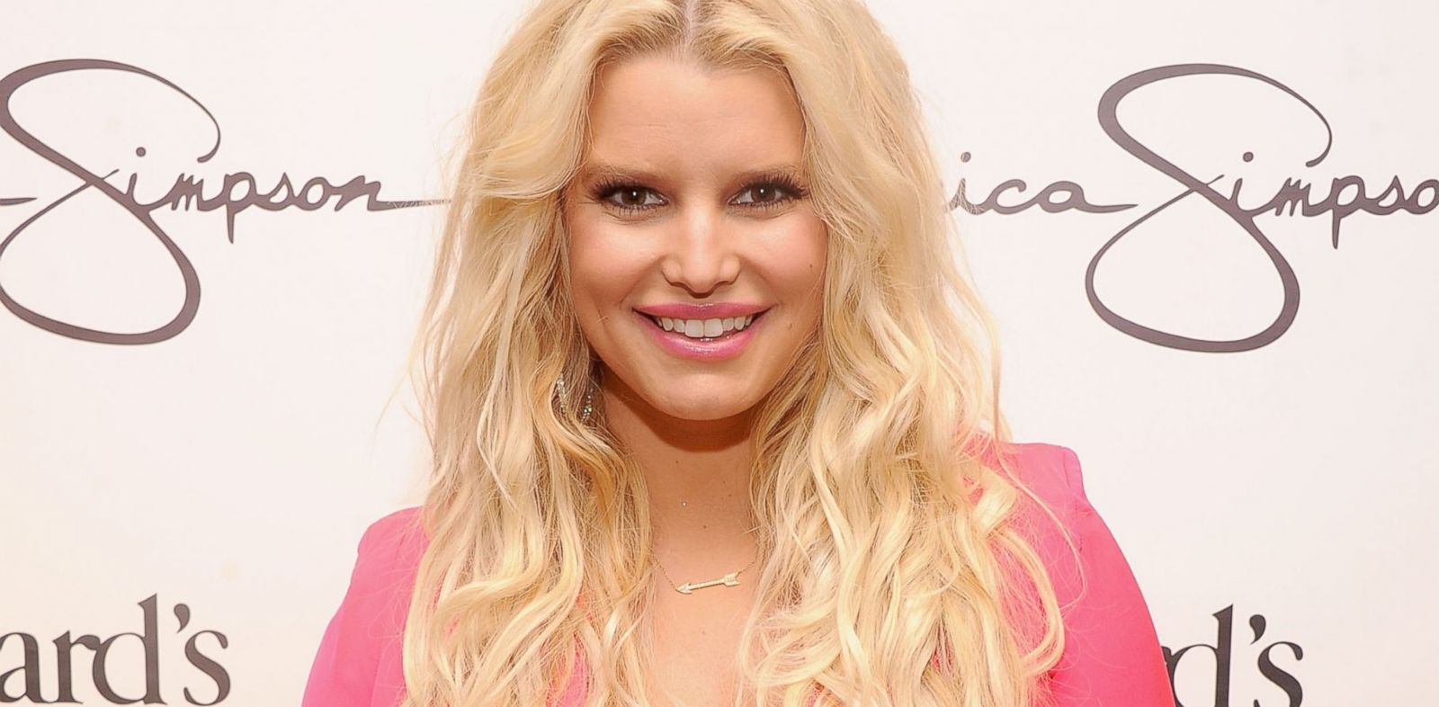 PHOTO: Jessica Simpson visits Dillards at International Plaza, Nov. 17, 2012, in Tampa, Florida.