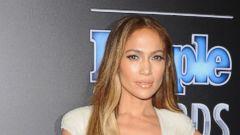 Jennifer Lopez Stuns in a Plunging Neckline