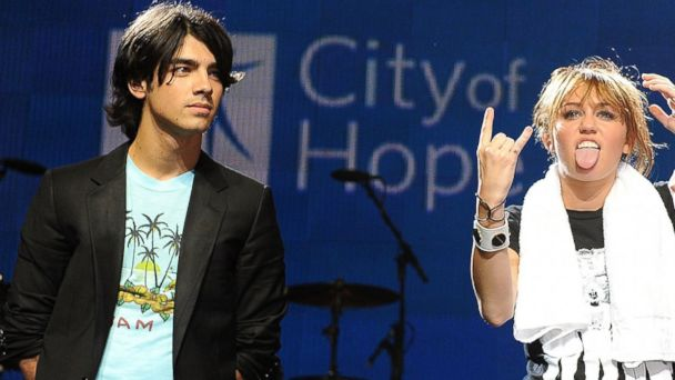PHOTO: Joe Jonas of The Jonas Brothers at the City of Hope Benefit Concert with Miley Cyrus at the Gibson Amphitheater Universal City Walk, Sept. 14, 2008 in Los Angeles, Calif.