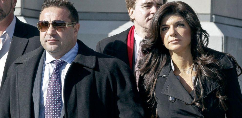 PHOTO: Teresa Giudice and her husband Giuseppe Joe Giudice leave Newark federal court, Nov. 20, 2013, in Newark, New Jersey.