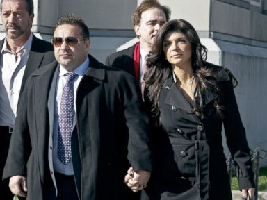 'Real Housewives of NJ' Couple to Plead Guilty to Fraud