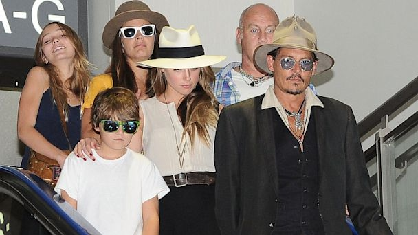 GTY johnny deppy amber heard kids thg 130718 16x9 608 Johnny Depp and Amber Heard Photographed in Japan with His Kids