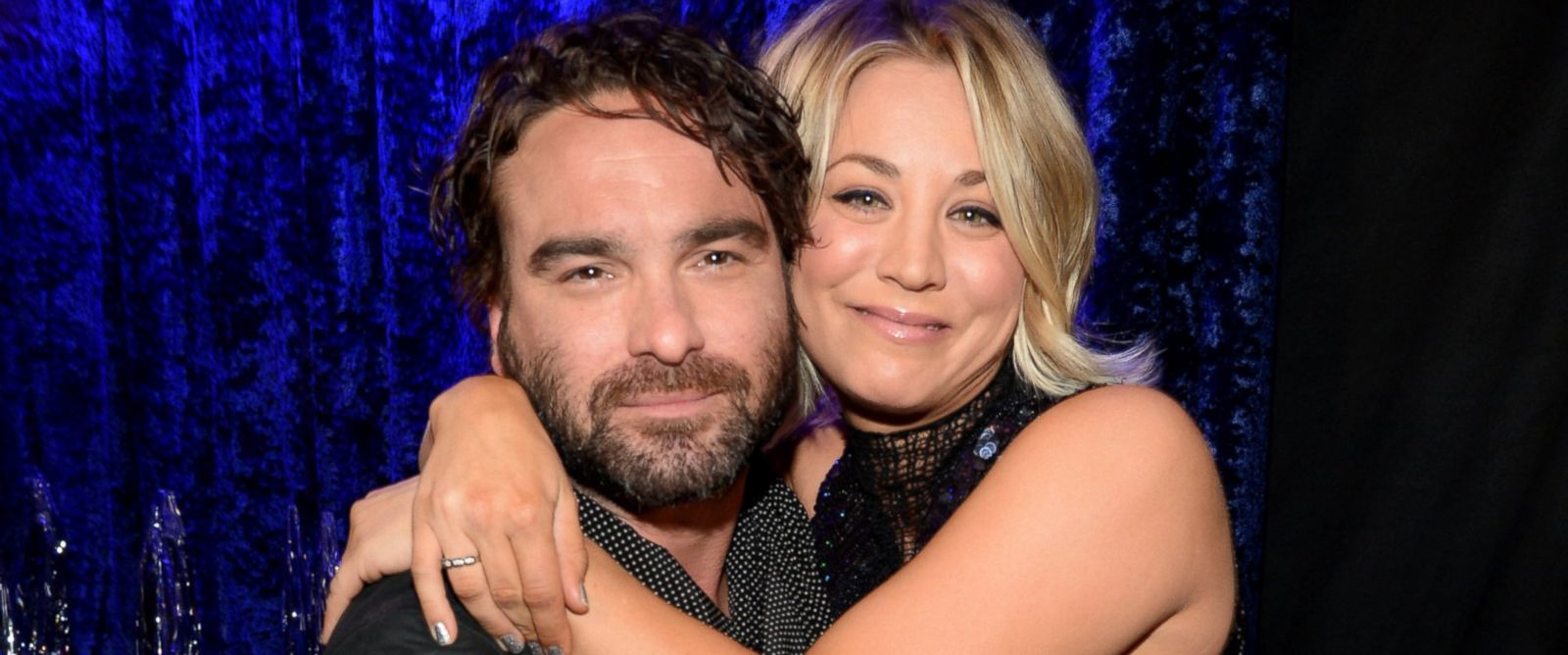 PHOTO: Actors Johnny Galecki, left, and Kaley Cuoco attend the Peoples Choice Awards 2016 at Microsoft Theater, Jan. 6, 2016 in Los Angeles.