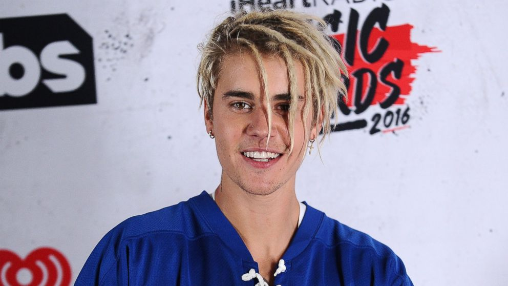 Pleasing Justin Biebers Hair Evolution From Bowl Cut To Dreads Abc News Hairstyles For Women Draintrainus