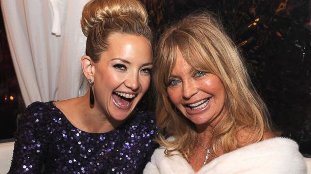 GTY kate hudson goldie hawn nt 131125 16x9 608 Rihannas Mom at the AMAs, Plus 7 Celebrity Mother Daughter Moments