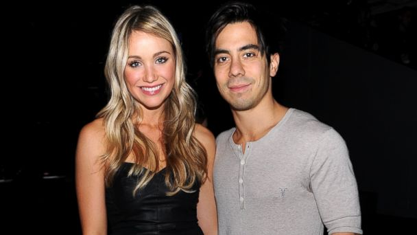 GTY katrina bowden ben jorgensen 187927068 jt 140201 16x9 608 Which 30 Rock Star is Attempting to Make Chicken Wings for the Super Bowl?