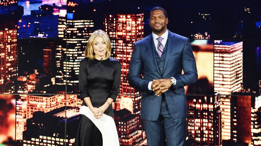 PHOTO: In this file photo, Kelly Ripa, left, and Michael Strahan, right, are pictured on Nov. 19, 2013 in New York City.