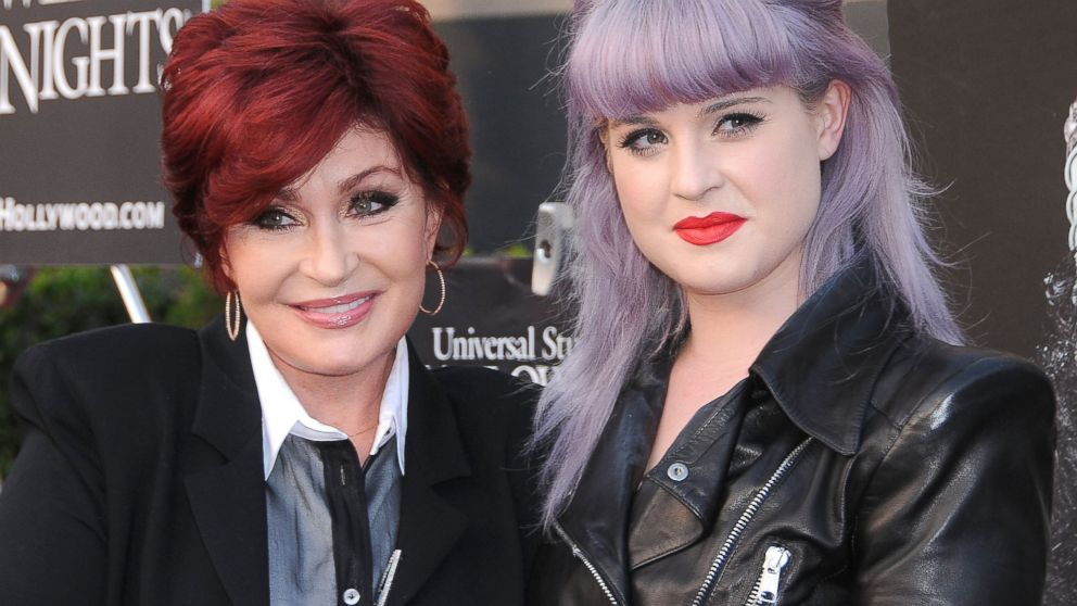 PHOTO: Sharon and Kelly Osbourne