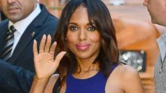 Kerry Washington Waves to Fans in NYC