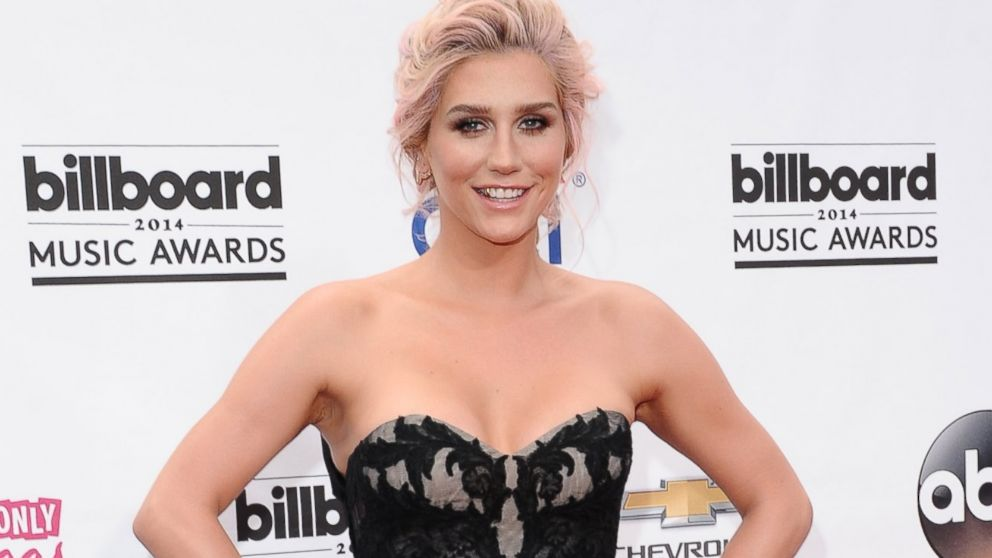 PHOTO: Ke$ha arrives at the 2014 Billboard Music Awards at the MGM Grand Garden Arena in Las Vegas