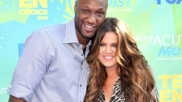 PHOTO: Khloe Kardashian and Lamar Odom arrive at Teen Choice 2011 at the Gibson Amphitheatre in Universal City, Calif., Aug. 7, 2011. on August 7, 2011 in Universal City, California.