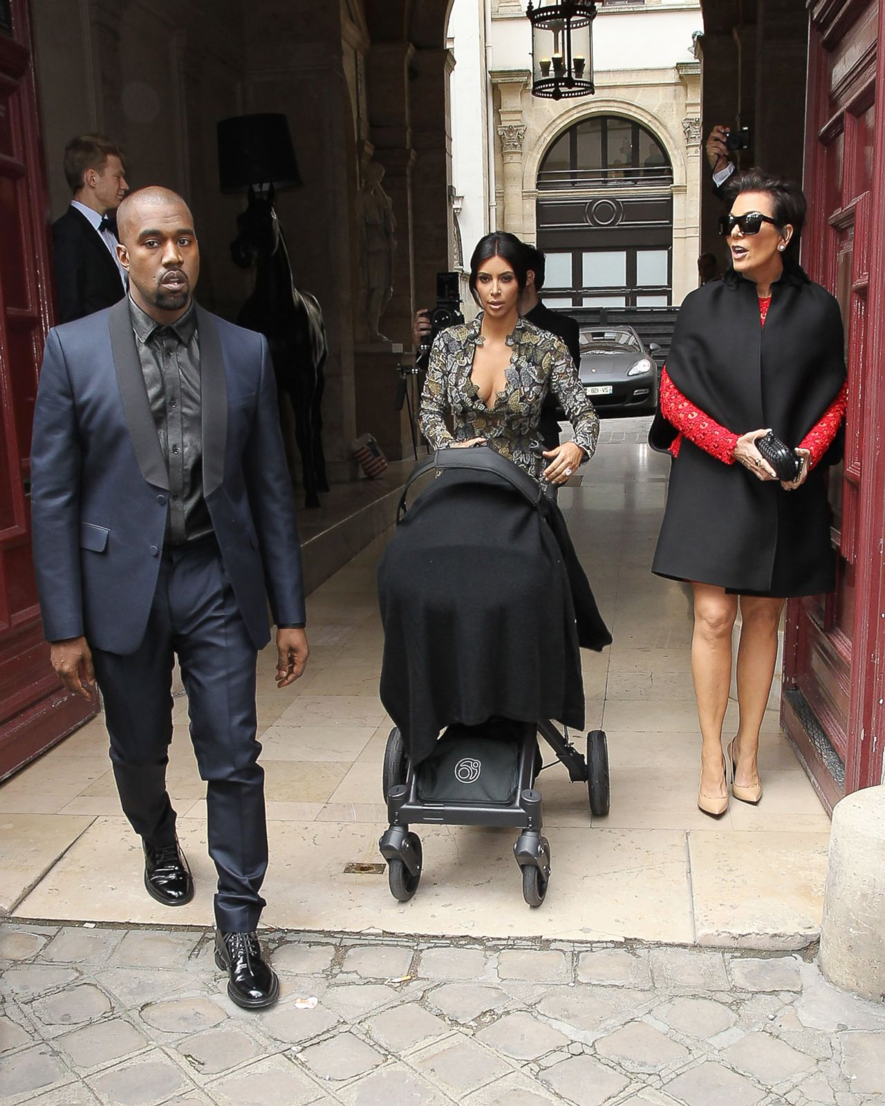 Kim Kardashian And Kanye West S Wedding All The Best Photos From Paris Florence Abc News