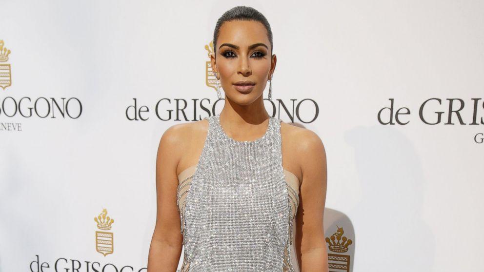 Kim Kardashian posts new photo of
