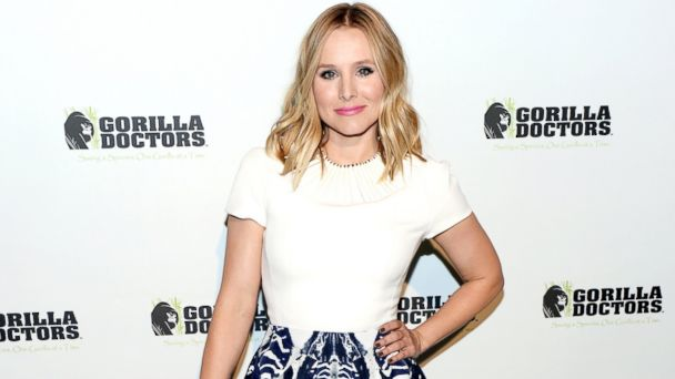 GTY kristen bell sk 131106 16x9 608 Kristen Bell Worried Shed Love Her Dogs More Than Baby Lincoln