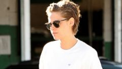 Kristen Stewart Shows Off a Shorter Hairdo in L.A.
